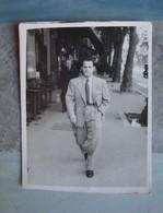 Photo Homme Costumé Rue De Rome (Marseille) - 1947 - Anonymous Persons