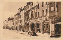 CPA PONT A MOUSSON 54 - Les Arcades - 4cv - Pont A Mousson