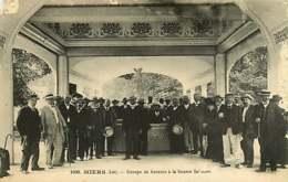 090619A - 46 MIERS Groupe De Buveurs à La Source - éditeur Baudel St Céré - Autres Communes