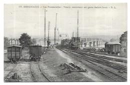 Bordeaux La Passerelle Train Rentrant En Gare Saint-Jean - Bordeaux