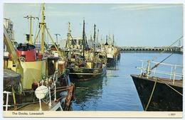 LOWESTOFT : THE DOCKS - FISHING BOATS (VALLIANT STAR) - Fishing Boats