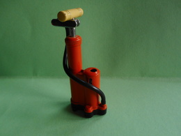 BRIQUET POMPE LIGHTER Feuerzeug ACCENDINO ENCENDEDOR AANSTEKER  打火机 Léttari Ljusare Sytytin Vžigalnik - Lighters