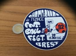 AUTOCOLLANT, Sticker «CHAMPIONNAT DE FRANCE FOOTBALL FSGT 1982 - BREST (29) » - Autocollants