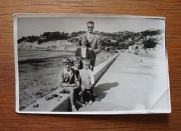 Père Et Ses Enfants Plages Du Prado Marseille- 1952 - Personnes Anonymes