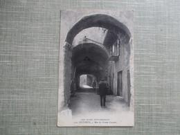 CPA 04 SISTERON RUE DU GRAND COUVERT HOMME - Sisteron