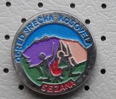 Scout Association Odred Srecka Kosovela Sezana Scouts , Campfire, Camp Fire Slovenia Pin - Associazioni