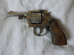 REVOLVER D'ALARME A BLANC EIG MONDIAL MOD. 1938 CAL : 22. - Armes Neutralisées
