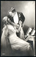 C6037 - Hübsche Junge Frau Im Kleid Mit Schleier - Mode - Erotik - Pretty Young Women Man - Paare