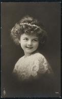 C5428 - TOP Porträt Hübsches Kleines Mädchen - Pretty Young Girl - Mode Frisur Vintage - Fotografie