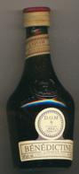 Mignonnette : Liqueur BENEDICTINE D.O.M., Pleine, Inscription Bénédictine Et Blason Gravés Dans Le Verre - Mignonnettes