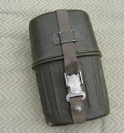 Gourde Allemande  Militaire Après Guerre - Equipment
