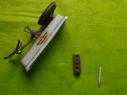 Balance ROBERVAL Avec Boite De Poids Incomplete + Boite Carton A Restaurer (manque Le Couvercle Et 1 Plateau) - Toy Memorabilia
