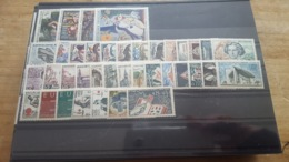 LOT 457638 TIMBRE DE FRANCE NEUF** LUXE ANNEE 1963 VALEUR 35 EUROS BLOC - France