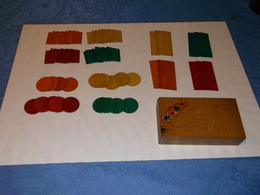 Anciennes Boites De Jetons En Bois. - Group Games, Parlour Games