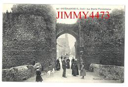 CPA - La Porte Vannetaise, Entrée Bien Animée - GUERANDE 44 Loire Inf. - Phot. Vassellier N° 241 - Guérande