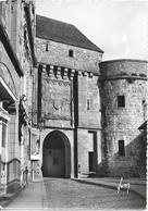 LE MONT SAINT MICHEL - La Porte Du Roi - Le Mont Saint Michel