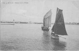 ROYAN - RETOUR DE LA PECHE - BELLE ANIMATION DE BARQUES - VERS 1900 - Royan