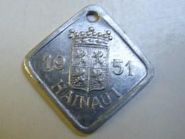 Méd. 39. Médaille De Taxe Pour Chien De 1951 En Hainaut - Professionnels / De Société