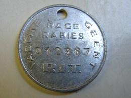 Méd. 38. Médaille De Chien. Vacciné Contre La Rage R.I.T - Professionnels / De Société