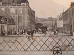 CARTE POSTALE Ancienne De WATTEN 59 - NORD La RUE De La GARE En 1920 Avec 22  Personnages - France