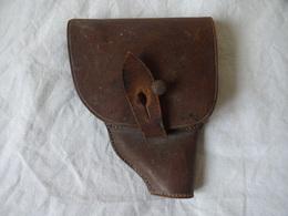 A IDENTIFIER ANCIEN PETIT HOLSTER POUR REVOLVER  6,35 AVEC 2 PORTE ETUIS. ( VOIR PHOTOS ET DIMENSIONS ) - Equipement