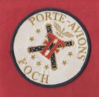ECUSSON BRODE     PORTE -  AVIONS  FOCH - Blazoenen (textiel)
