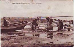 50. GOUVILLE SUR MER . PECHE AU LANCON . ANIMEE . Editeur DOUCHIN - France
