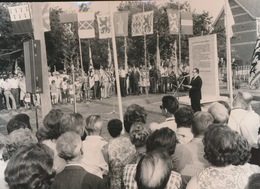 LANDEGEM    = FOTO 1973  +- 14 X 8 CM  =   GEDENKSTEEN  DE RUDDER - Nevele