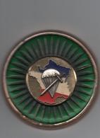 Militaire  De Bureau  Ronde 70 Mm X 7 Mm  épaisseur Carte France & Parachute  Probablement 1er Régiment De Choc - France