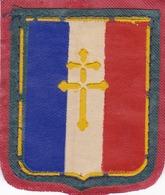 MILITARIA FRANCE - LOT DE 4 ÉCUSSONS TISSUS DONT 2 CROIX DE LORRAINE. - Escudos En Tela