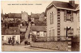 MONTFORT-LE-ROTROU - L'Escalier Phot. Dolbeau (animée, Gendarmes à Cheval) - France