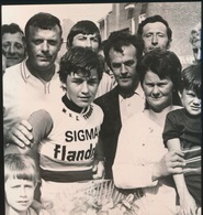 OOIGEM    = FOTO 1973  +- 13 X 8 CM  =  NIEUWELINGEN  WINNAAR  JOHY CUYLE UIT KOOLSKAMP - Wielsbeke