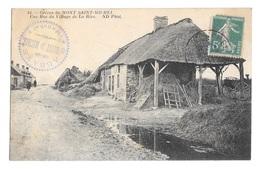 (24170-50) Greves De Mont Saint Michel - Une Rue Du Village De La Rive - Le Mont Saint Michel