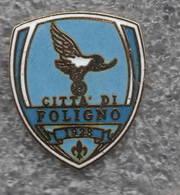 Città Di Foligno Perugia Calcio Distintivi FootBall Soccer Pins Spilla Italy - Calcio