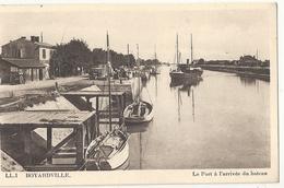 N 1332 BOYARDVILLE   LE PORT A L ARRIVEE DU BATEAU - Ile D'Oléron