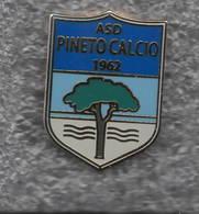 ASD Pineto Teramo Calcio Distintivi FootBall Sport Pins - Calcio