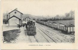 27 - CORMEILLES (Eure) - La Gare. Animée, BE. - Gares - Avec Trains