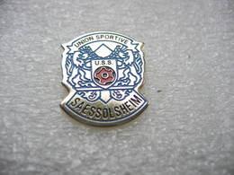 Pin's De L'Union Sportive De La Commune De SAESSOLSHEIM (USS), Dépt 67 - Pétanque
