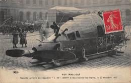 CPA - Aux Invalides - Nacelle Arrière Du Zeppelin, Atterri à Bourbonne-les-Bains Le 20 Octobre 1917 - Dirigibili