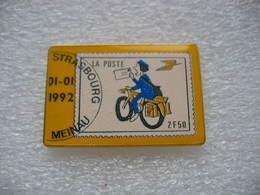 Pin's De La Poste De Strasbourg-Meinau. Timbre à 2,50frs - Mail Services