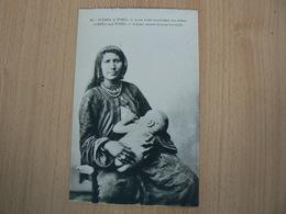 CARTE POSTALE EGYPTE / SCENE ET TYPE FEMME ARABE NOURISSANT SON ENFANT    NON  VOYAGEE/3 - Egypt