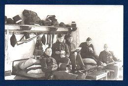 Carte-photo. Armée Belge. Camp De Beverloo.( Bourg-Léopold). Soldats  Du 13ème De Ligne. Une Chambrée. 1928 - Regimente