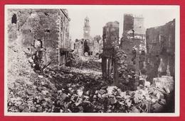 14 – VIRE  –  En Ruines 1944 Porte-Horloge - Vire