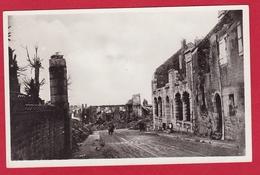14 – VIRE  –  En Ruines 1944 Bureau De Poste - Vire