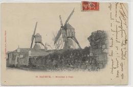 Moulin A Vent De Saumur - Moulins à Vent