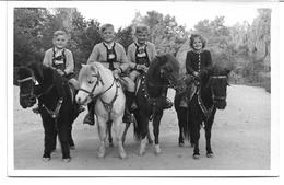 3081d: AK Um 1940 (Ostmark), Ungelaufen, Kinder Sitzen Auf Ponys - Paarden