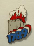 PIN'S REVOLUTION FRANCAISE 1789 - LA BASTILLE EN FEU - SIGNE SAGGAY - Badges