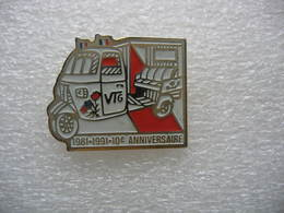 Pin's Des 10 Ans De La Voiturette De La Marque VTG 1981-1991 - Pin's