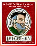 SUPER PIN'S POSTES : CENTRE REGIONAL Du 06 (Alpes Maritimes) De La POSTE, Avec Médaillon J.C En émail Cloisonné Base Or - Mail Services