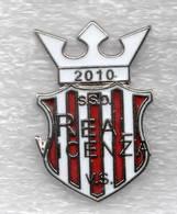 SSD Real Vicenza Calcio Distintivi FootBall Soccer Pin Spilla Italy - Calcio